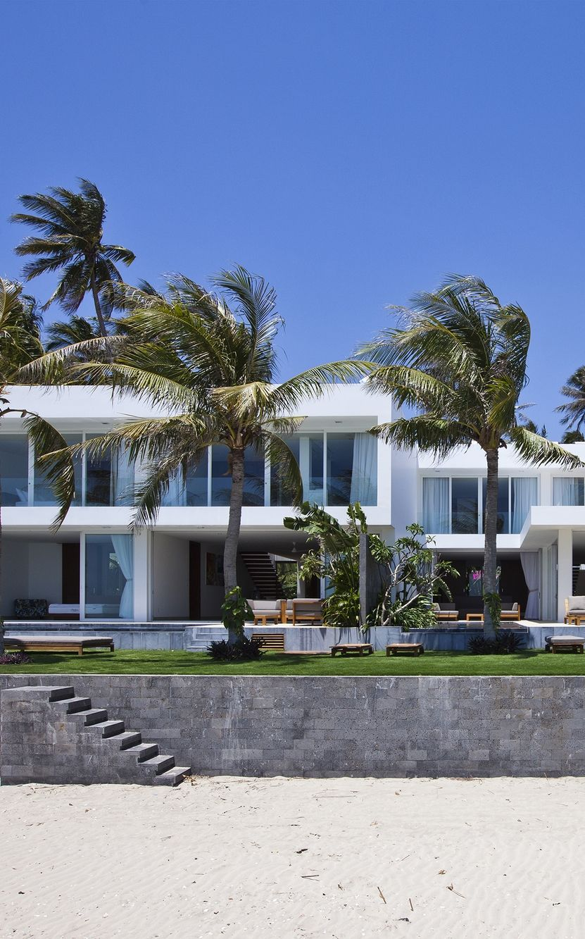 World Of Architecture Stunning Modern Beach House In Vietnam Worldofarchi Architecture Modern House Modern Beach House Beach House Design House Styles