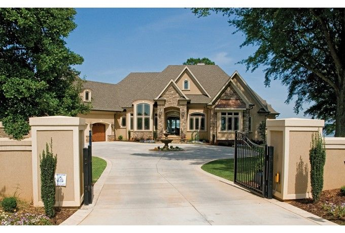 Dgg945 fr ph co 680 459 elewacje pinterest for 680 square feet house plan