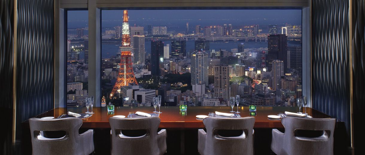 Reserve the Chef's Tower table at the classic, American Towers Grill and marvel at the double view of Tokyo Tower and Sky Tree Tower.