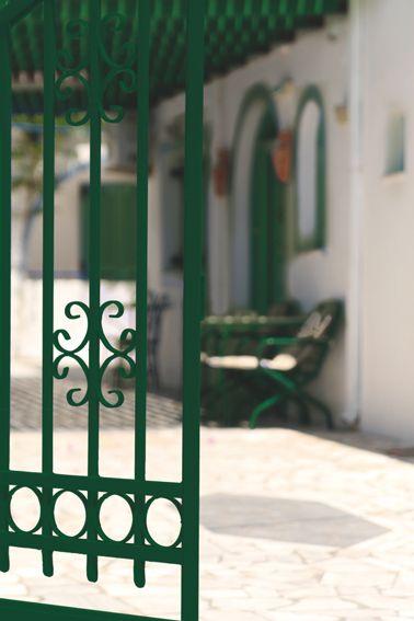 Comment peindre du fer rouill sans sous couche portail en fer repeindre et couleurs vertes - Repeindre un portail en fer ...
