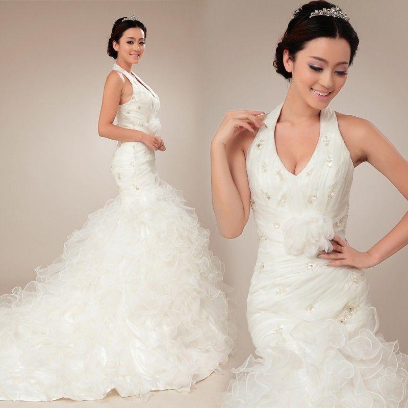 Trumpet Style Wedding Gowns: Halter Neckline Trumpet / Mermaid Style Pretty Bridal Gown
