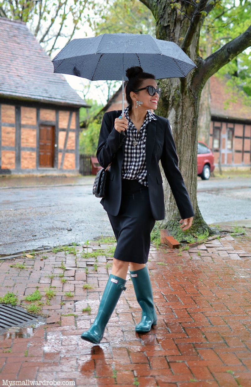 Commuting to Work With Rain Boots | MY SMALL WARDROBE @hunterboots ...