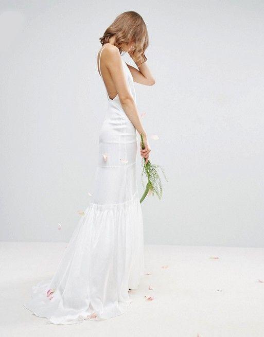 Compra Vestido largo estilo camiseta con pliegues estilo acordeón de ASOS  BRIDAL en ASOS. Descubre la moda online.