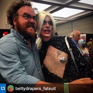 Jon Schnepp And Disasterina At Monsterpalooza  Picture By Holly Payne Hollypayne Jonschnepp Disasterina Comedy Monsterpalooza Cosplay Dragqueen