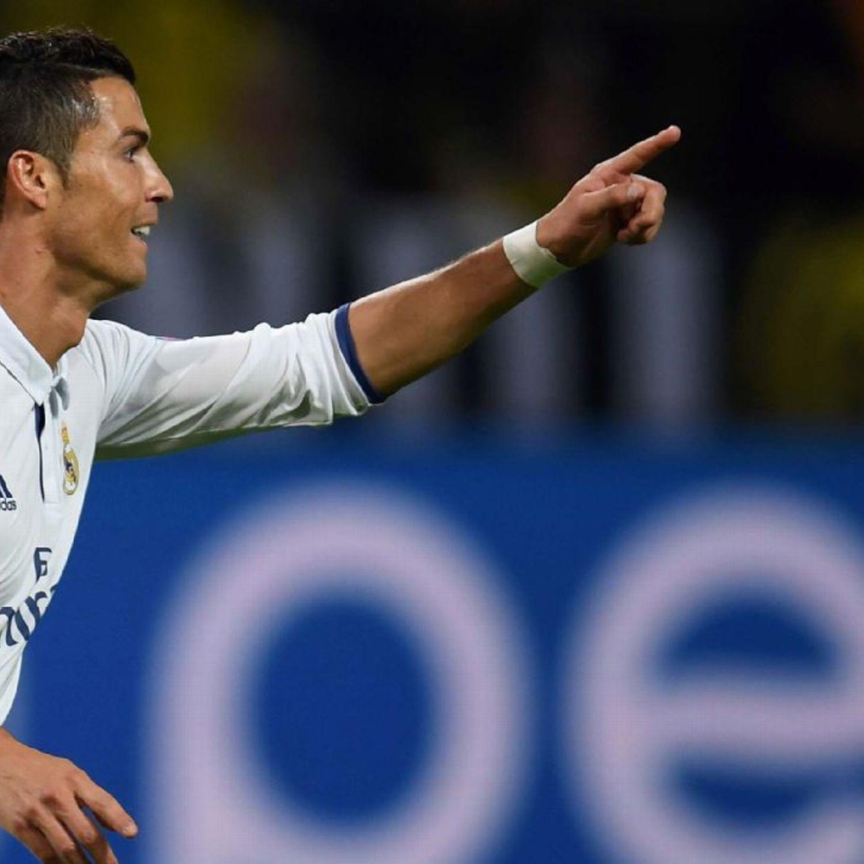 Real Madrid S Cristiano Ronaldo Will Win Ballon D Or Roberto Carlos Cristiano Ronaldo News Ronaldo Real Madrid Cristiano Ronaldo