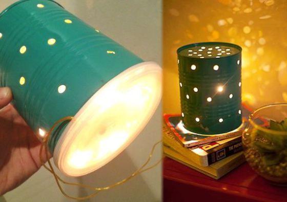 Luminária com lata de Nescau! Faça furinhos na lata, pinte (opcional) da cor que desejar, coloque as luzinhas dentro da lata, e tampe!
