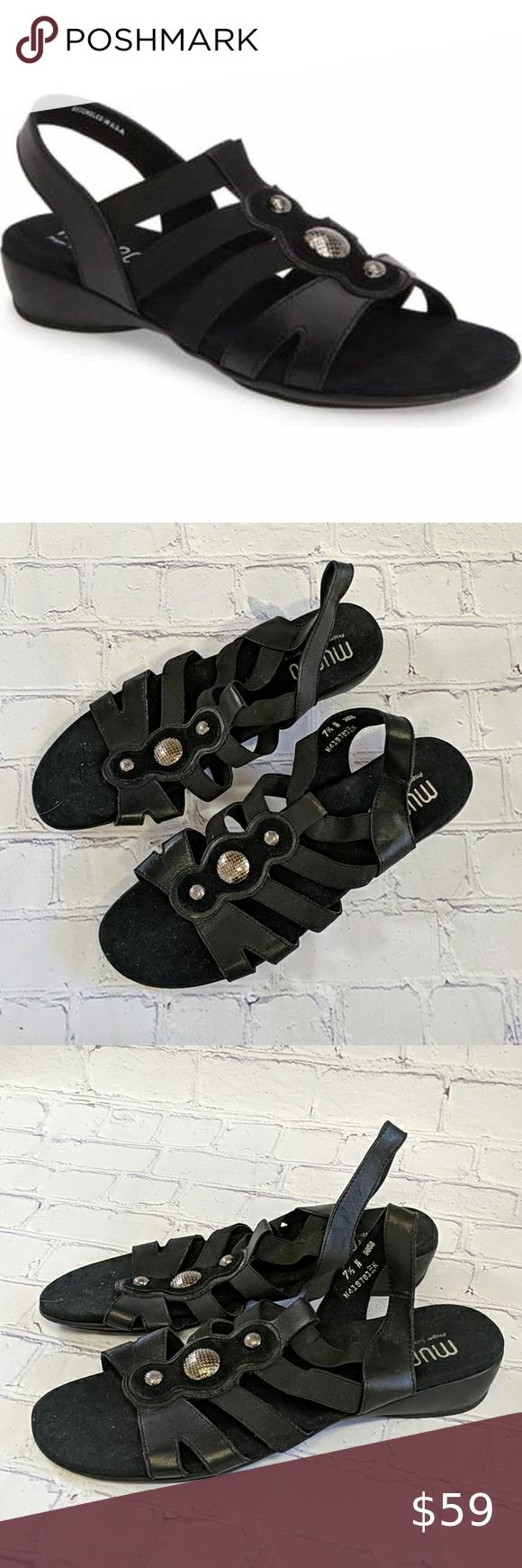 MUNRO 7.5 N Black Destiny Sandal in