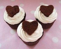 Brownie cupcakes met meringue botercreme