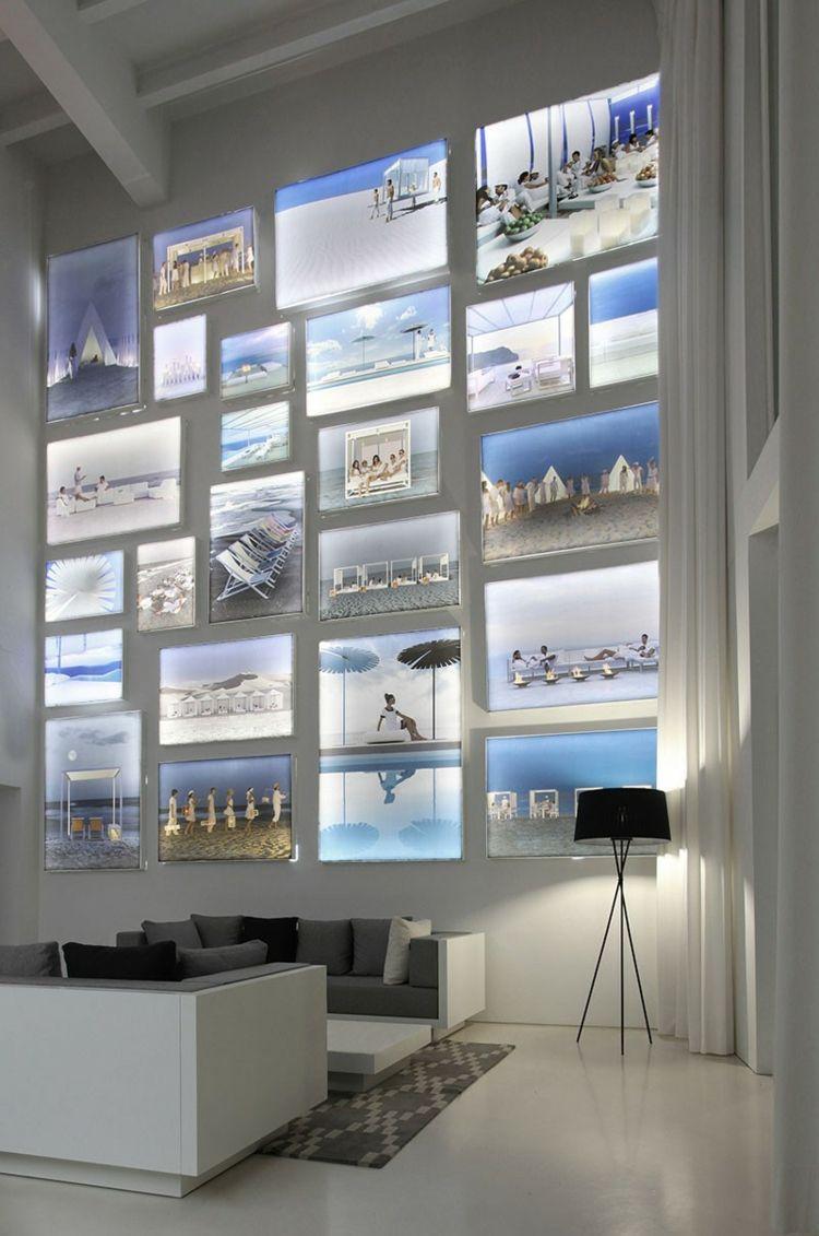 Idee Für Die Wandgestaltung Im Wohnzimmer   Beleuchtete Bilder