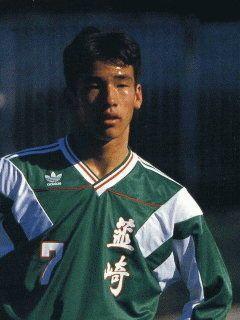 Hidetoshi Nakata (in Nirasaki high school days) Jours De Lycée, Uniformes De Football, Polo Ralph Lauren, Football, Samouraï