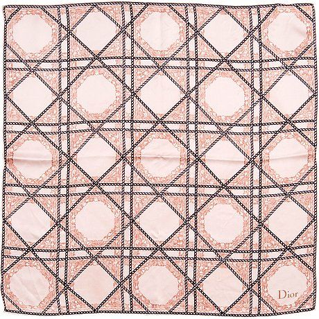 "A SCARF, Christian Dior. Silk. Motif with black chains on pink ground. Marked ""Dior.... - VINTAGE AND FASHION, Helsinki V001 – Bukowskis"