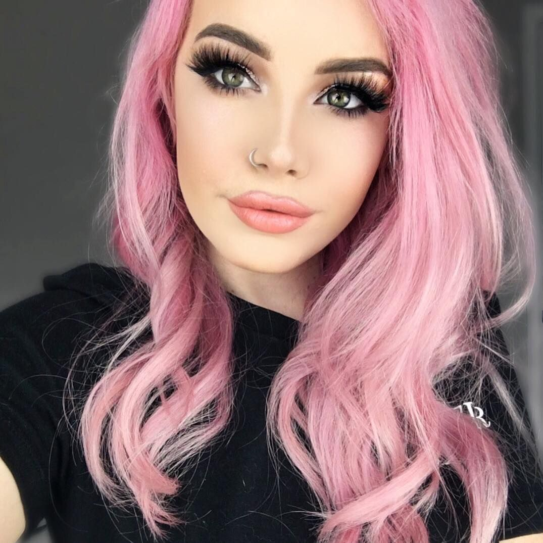 Hailie On Instagram I Finally Made It Back Home To Texas I M Home For A Week And Then Back To La Bu In 2020 Hair Color Pink Pink Ombre Hair Trendy