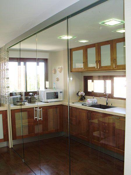 Paredes de cristal cocina buscar con google puertas y barandales pinterest searching - Puerta cristal cocina ...