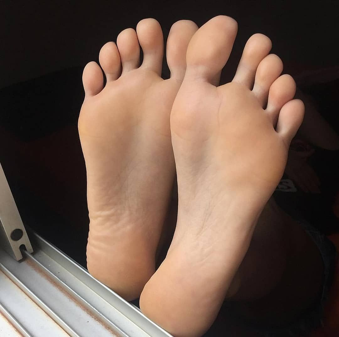 Pin on Barefoot Models