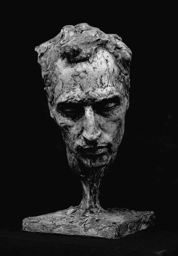 u00c9pingl u00e9 par  u90d1 u9e4f  u6731 sur sculptures en 2019