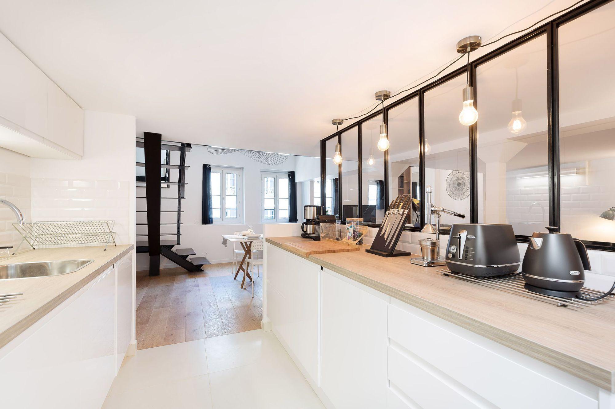 Appartement paris 6 68 m2 ouverts esprit loft atelier - Plan de maison avec cuisine ouverte ...