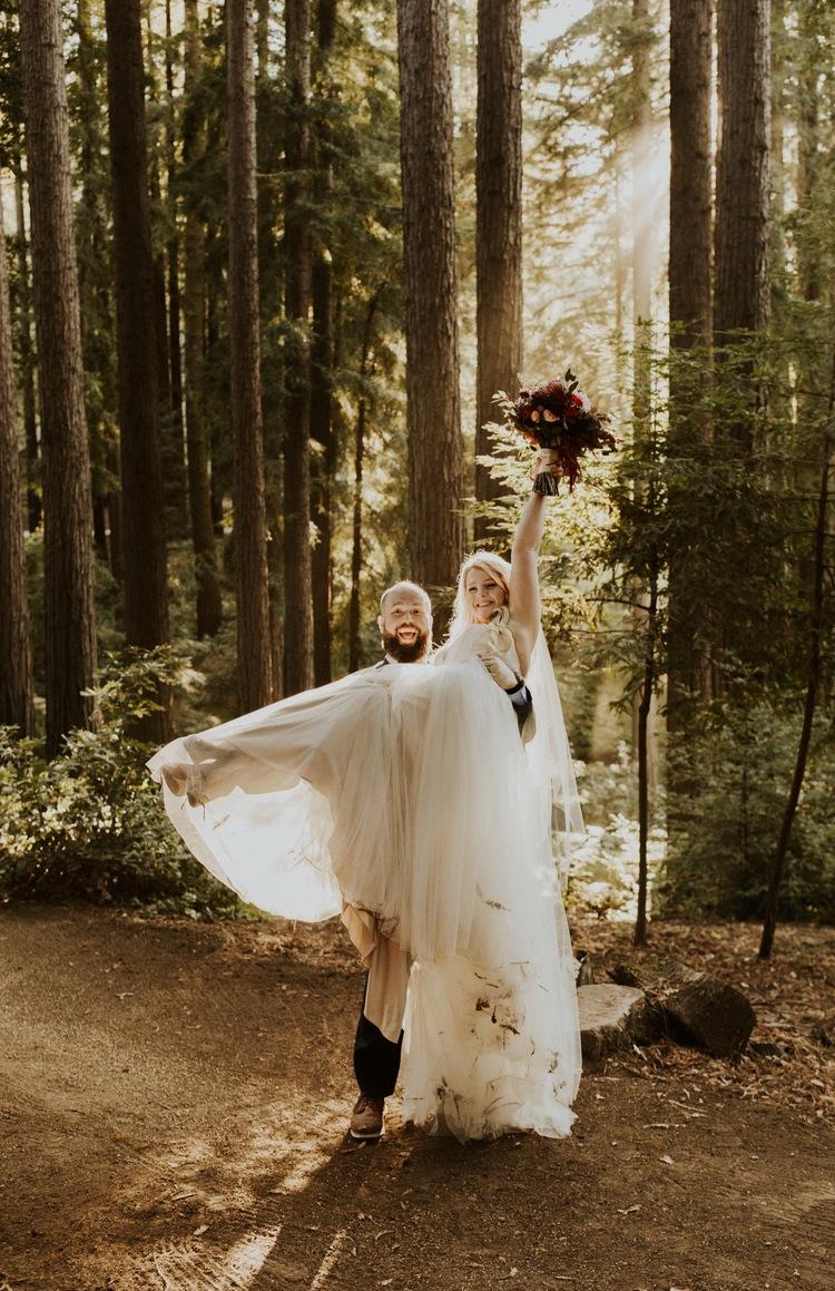 bridgettewuest-Bridgette-wuest-bridgettewuestphotography-wedding-elopement-losgatos-california-nestldown-venue-redwoods-backyard-wedding-fall-autumn-boho-inspiration-cute-gorgeous-intimate-trees-mountains