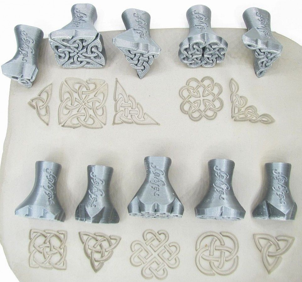 Decorative pottery tools for clay - Celtic stamps made from bioplastic by Rélyéf. Endless ceramic inspiration easy use for kids and beginners... #ceramics #potterytools #relyefcz #DIY #wave #pottery #potteryinspirations #ceramicdesignideas #ceramics #ceramique #diypottery #diy #pottery #beginner