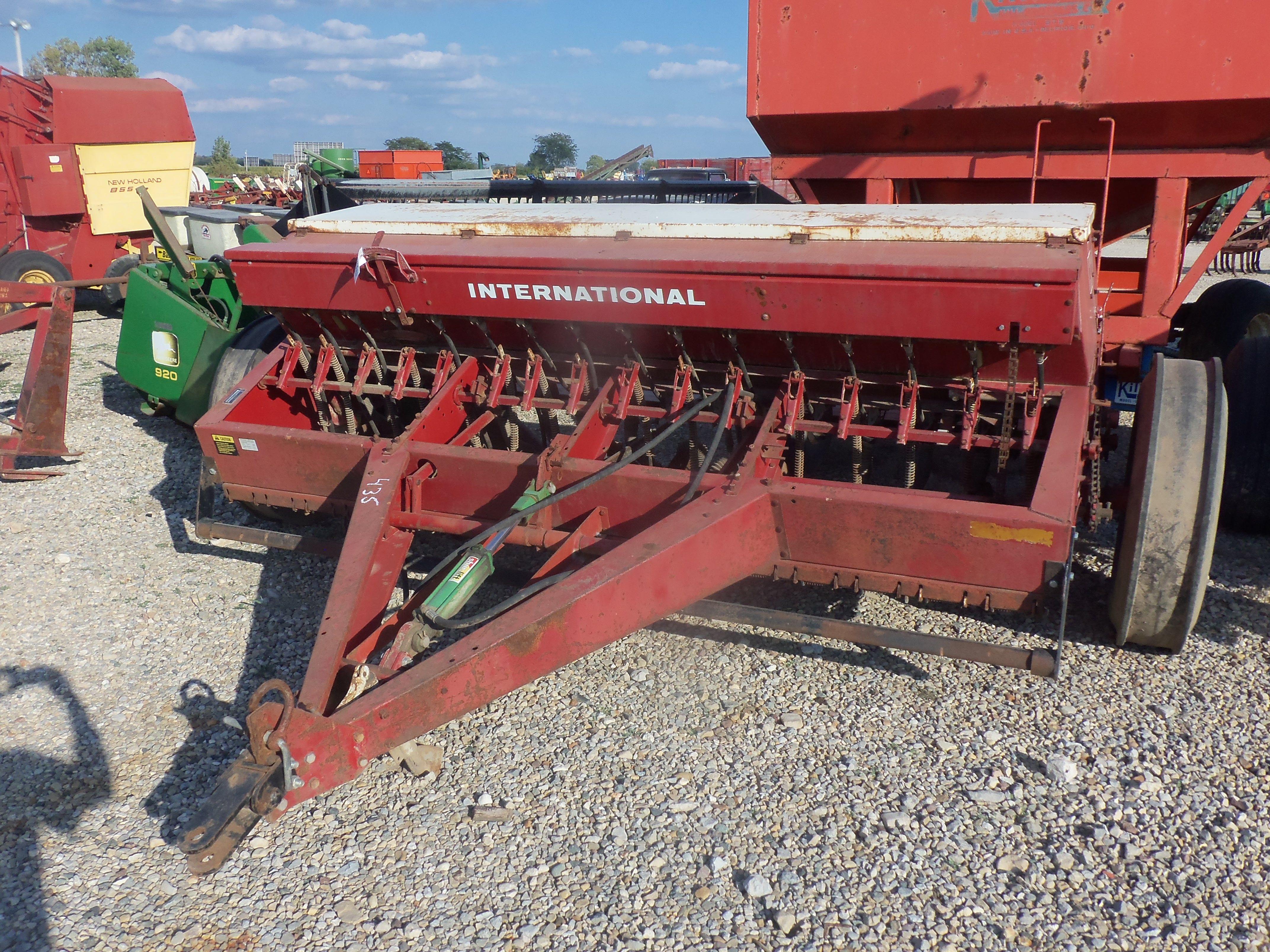 International 510 Grain Drill Construction Equipment Farm Equipment Farmall