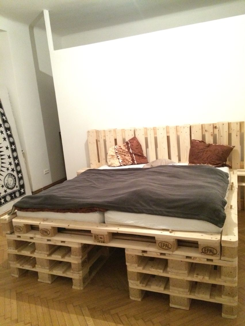 paletten bett aus 18stk europaletten zesch pinterest pallets and room. Black Bedroom Furniture Sets. Home Design Ideas