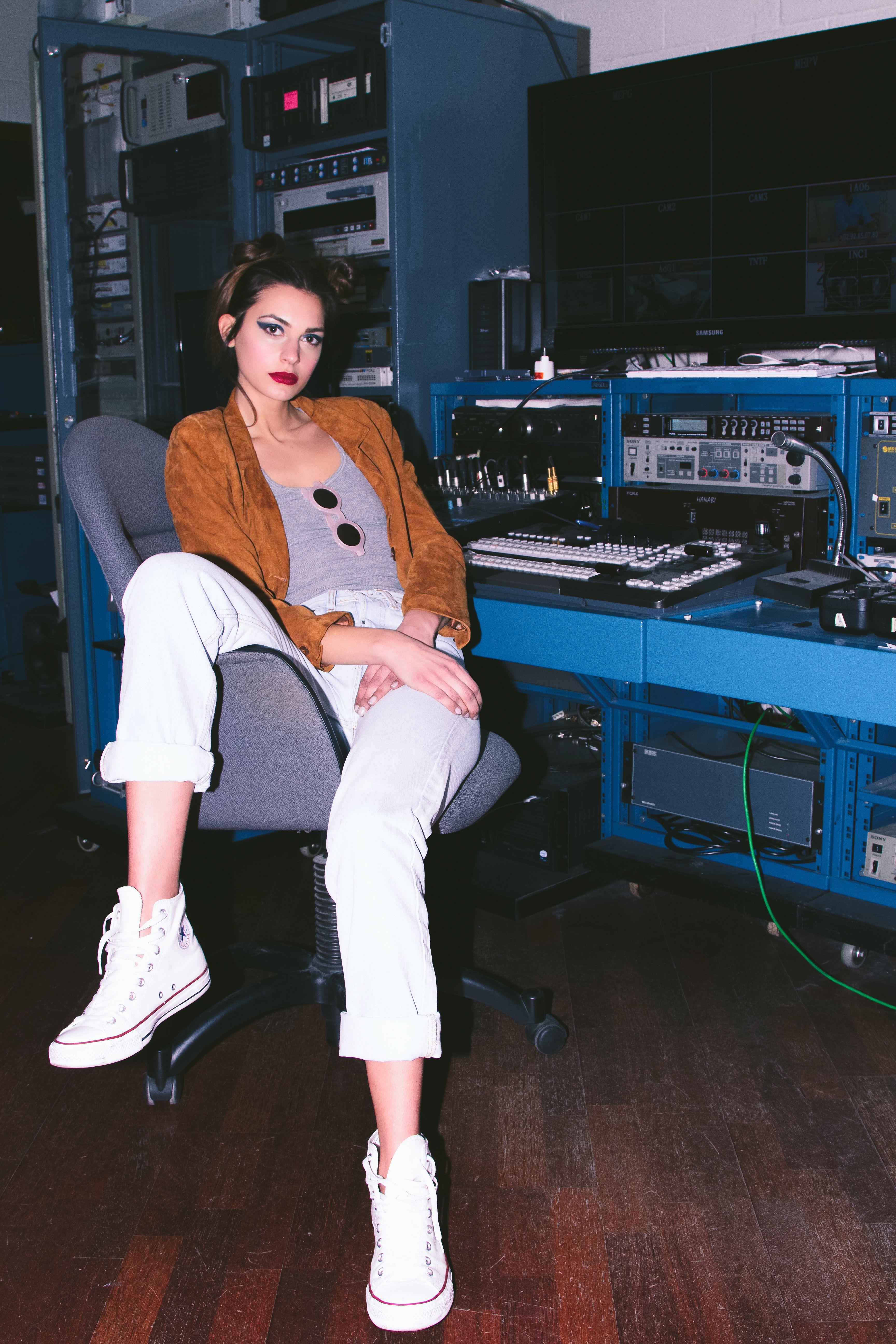 NO SIGNAL EDITORIAL for Feroce Magazine Photographer: Isabella Fresia #isabellafresia Model: Martina Landi @2morrowmodel Stylist: Sebastian Kamilaris #sebastiankamilaris MUA: Eleonora G Pellegrini