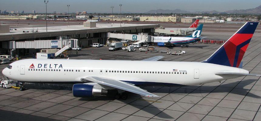 Delta Boeing 767 300 With Images Boeing 767 Boeing Delta