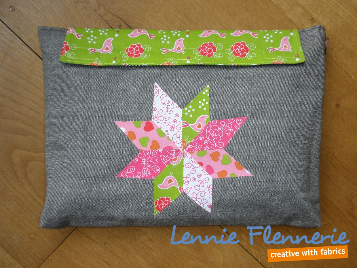 Quilten zonder naald en draad. Quilten without needle and thread.  http://lennie-flennerie.blogspot.nl/2015/03/laptophoes-1-laptop-sleeve-1.html