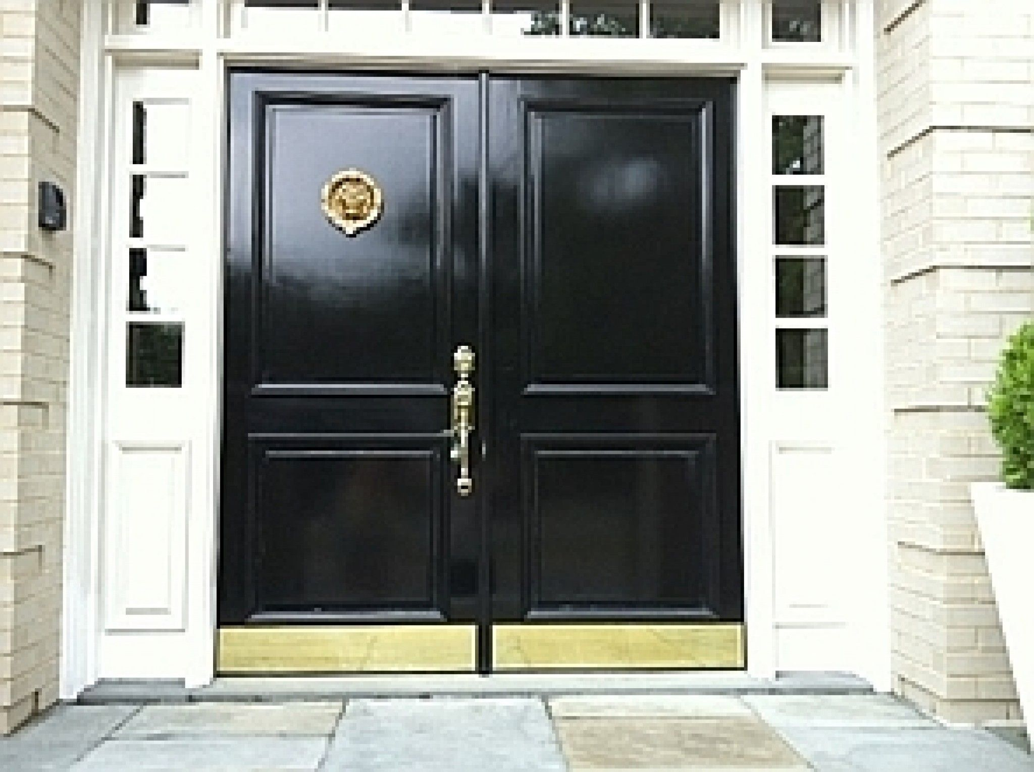 The Secret To Getting A Shiny Painted Door Painted Front Doors Painted Doors Fiberglass Door