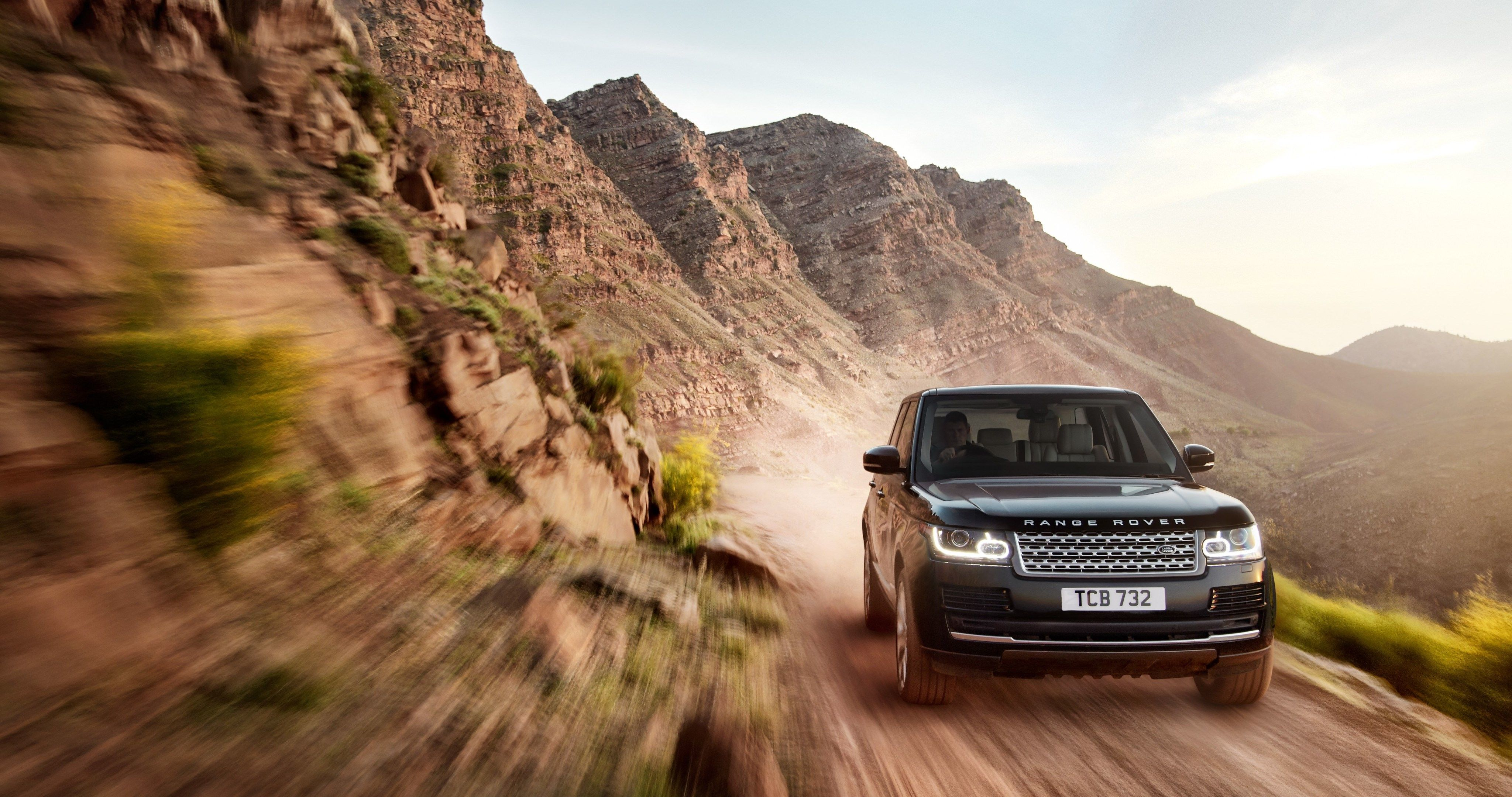 Ultra Hd Wallpaper Of Scout Ranger: Land Rover In A Move Heaven 4k Ultra Hd Wallpaper