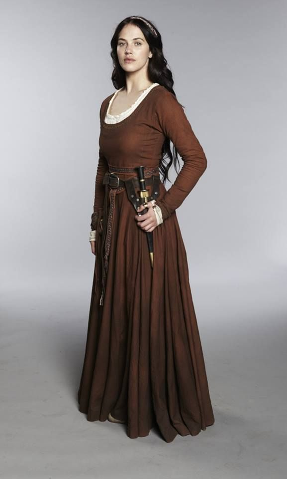 "Simple dress idea: Add a belt. And a dagger. It's the ""I may be a lady, but don't mess with me"" look."