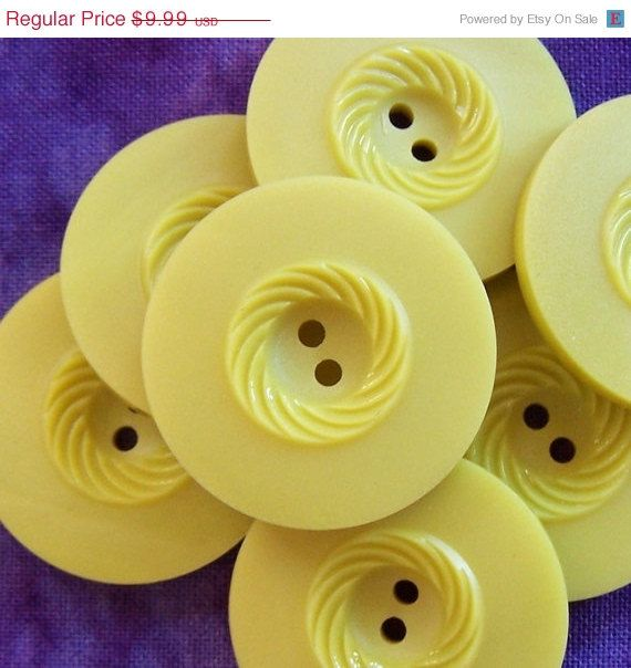 "48hrs SALE BiG vintage buttons Italian Olive carved swirl 1 1/16"" x7"