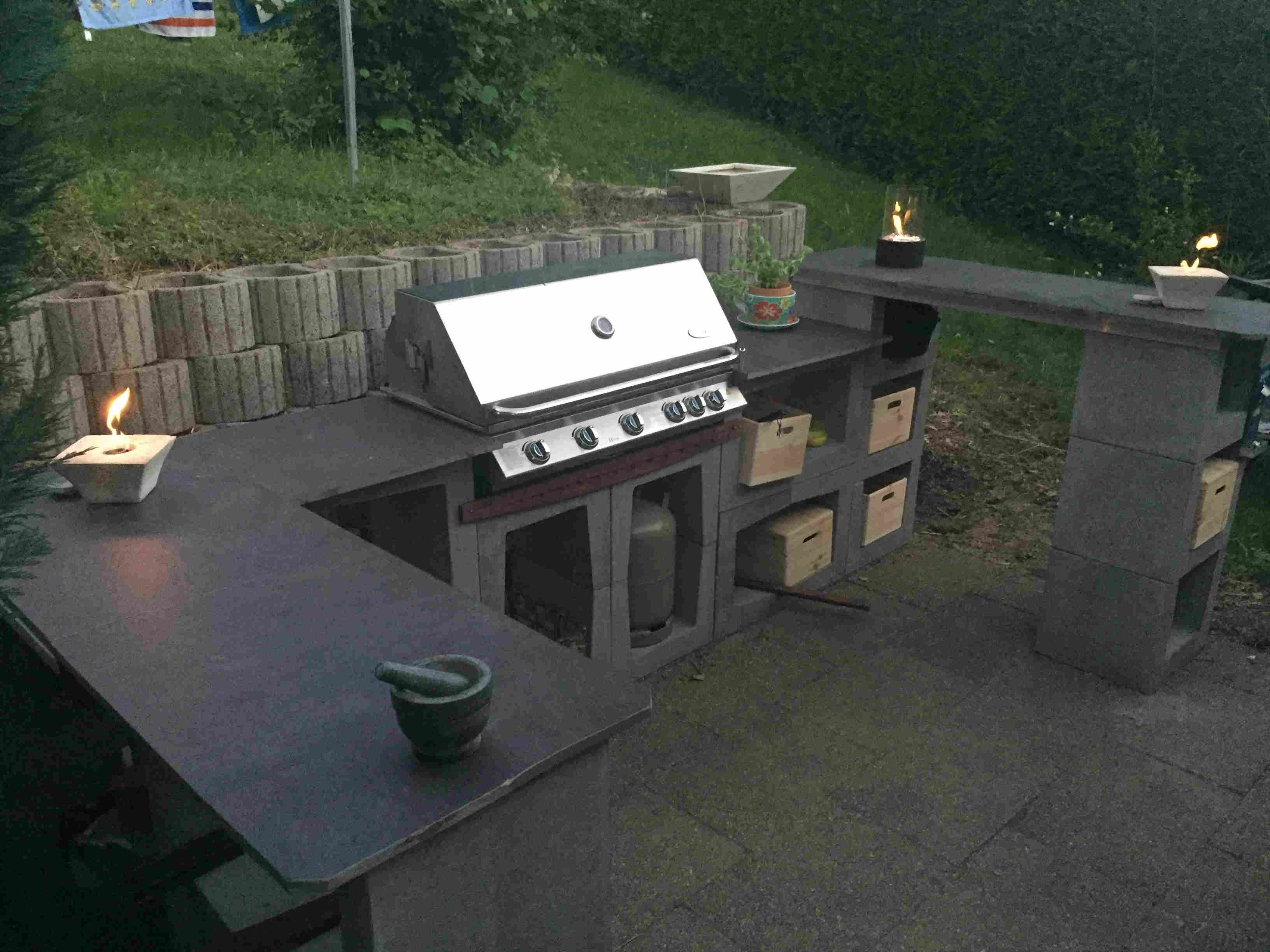 outdoor k che aus u steinen grillforum und bbq backyard. Black Bedroom Furniture Sets. Home Design Ideas