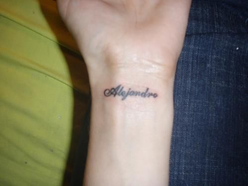 Pin De Alexa Andrade En Tatuajes Tatuajes De Nombres Love Tatuaje Letras Para Tatuajes
