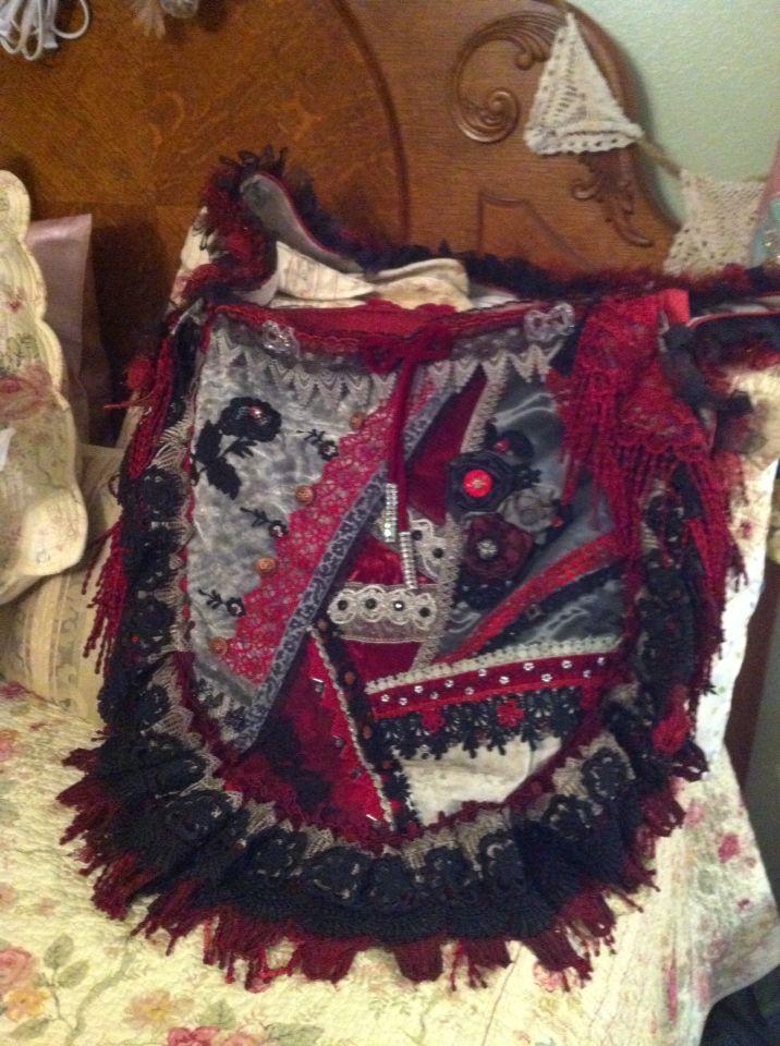 Red,black purse