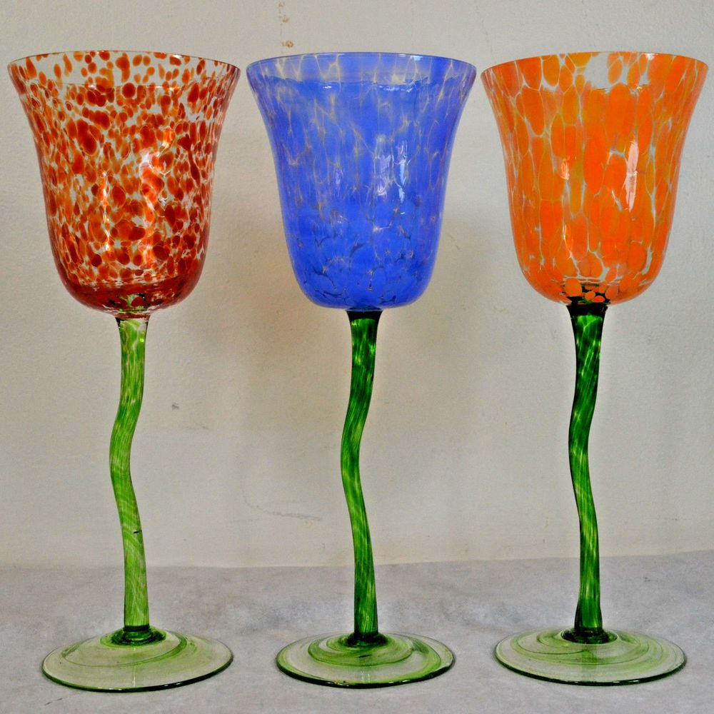 cee4fe26bff Neiman Marcus Wine Glasses Tulip w  Green Stem in Red