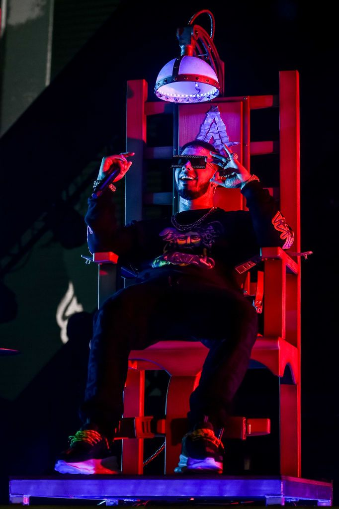 New York Ny November 17 Anuel Aa Performs Live On Stage During Anuel Aa Karol G In Concert At Unit Rapper Wallpaper Iphone Bunny Pictures Cute Wallpapers