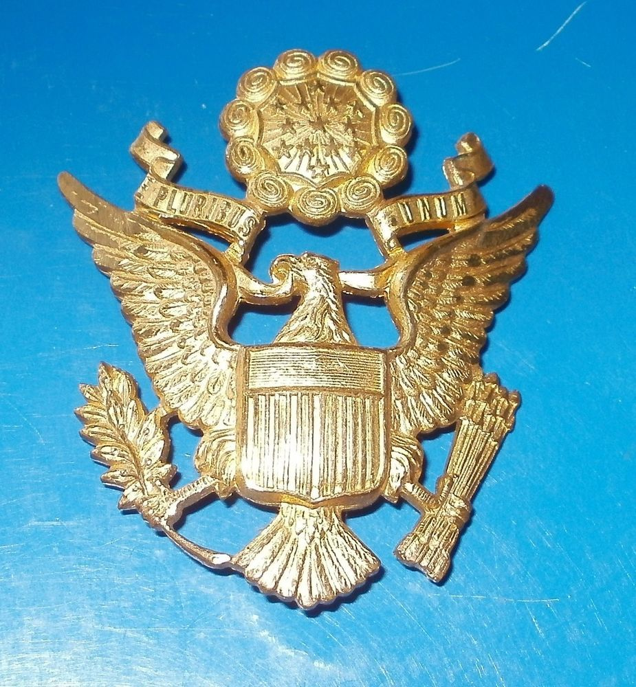 6339021d LUXENBERG WW2 UNITED STATES ARMY AIR FORCE/AIR CORPS OFFICERS HAT BADGE
