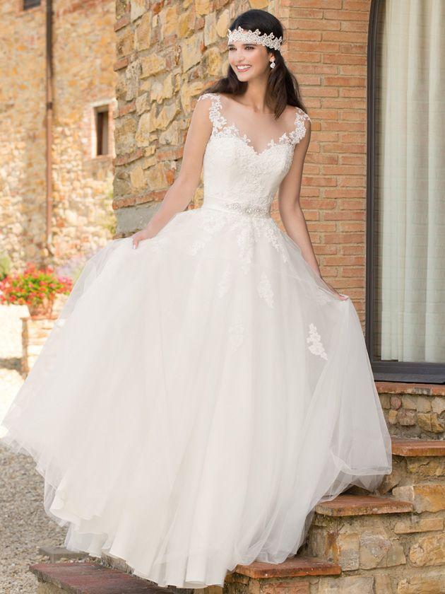 Brautkleider Im Gehobenen Preissegment Miss Solution Bildergalerie Viale By Kleemeier Brautmode Kleid Hochzeit Brautkleid