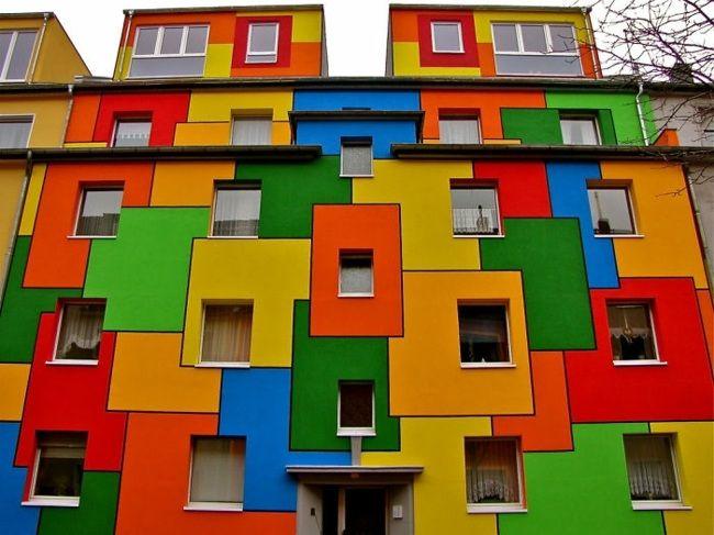 Hausfassaden Farben Hausfassade Streichen Grelle Farben Gebäude Köln  Deutschland