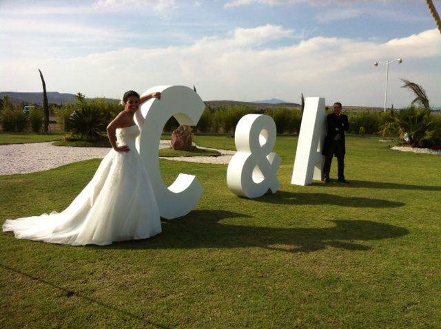 No pueden faltar las letras gigantes. @Jardín Alma de Agua, #jardinesparaeventos, #bodas, #bodasqueretaro