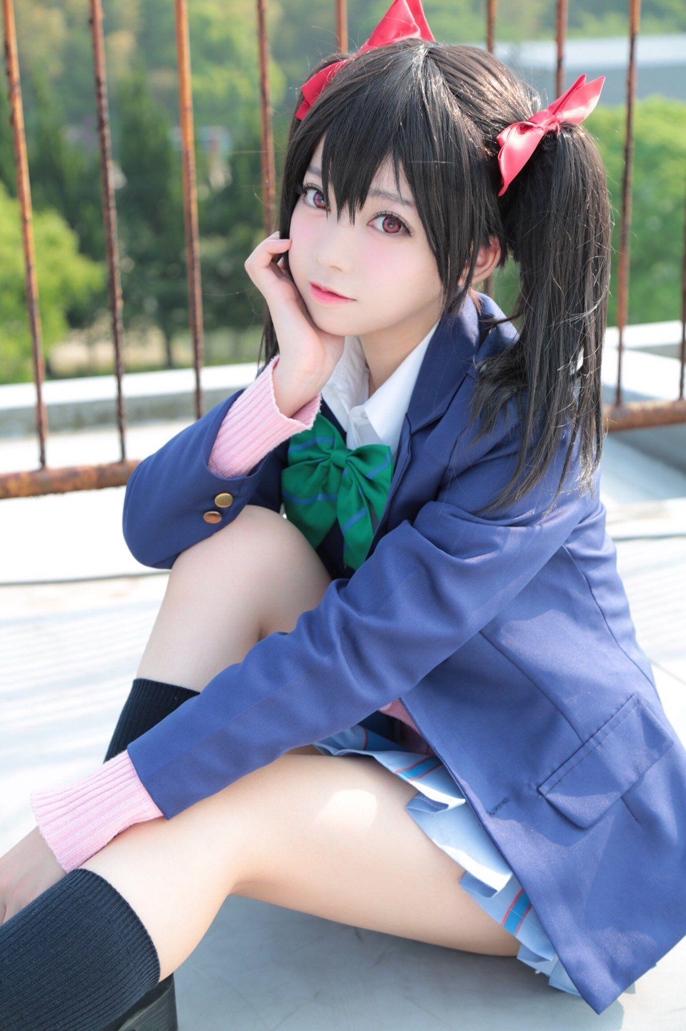 Épinglé sur Asia Girl in latex