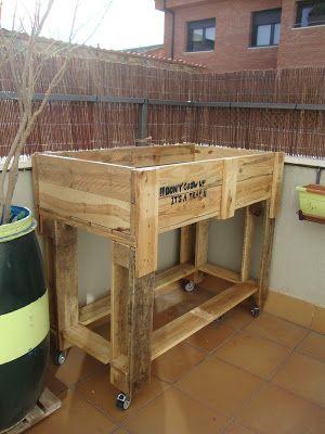 Lowcost por el diy mesa de huerto urbano con palets for Macetero vertical pallet
