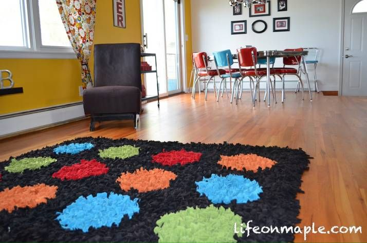 Lifeonmaple Diy Fleece Area Rugs Using Latch Hook And
