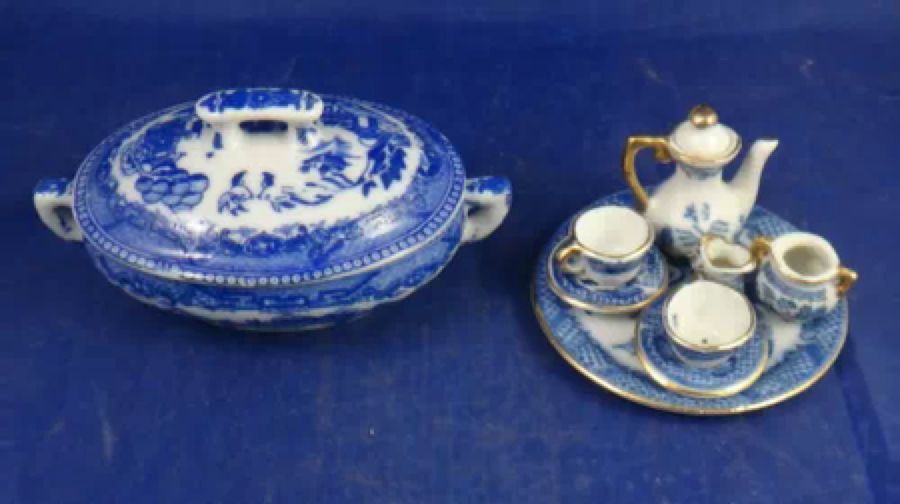 Dollhouse Blue//White Porcelain Dinner Set 1:12 scale
