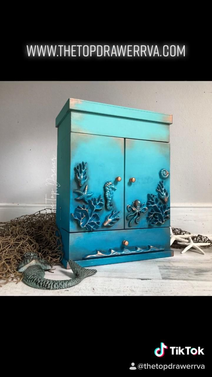 Mermaid style jewelry box with added baking moulds. #diy #jewelrybox #painted #upcycled #dixiebelle
