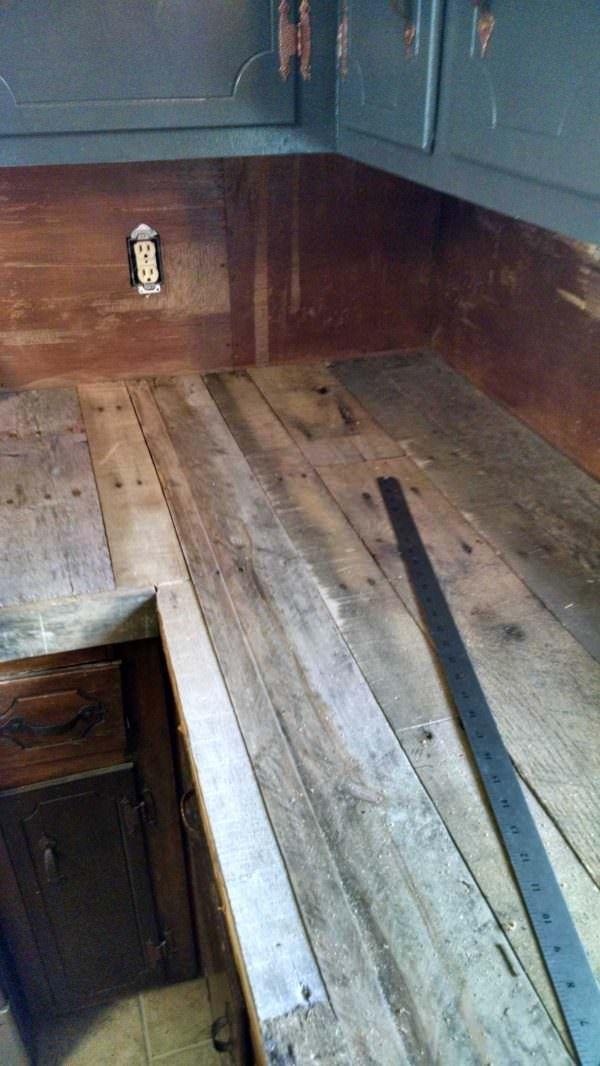 Pallet Countertops & Backsplash   Outdoor kitchen ...