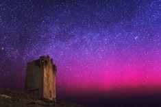 'Staat het Noorderlicht bewonderen op jouw bucket-list? Kom dan naar Donegal. De kleuren van de nacht zijn magisch! Vind jouw inspiratie bij een van de mooiste kustroutes van Ierland. http://goo.gl/xmorgN (foto: Ronan McLaughlin Photography)'