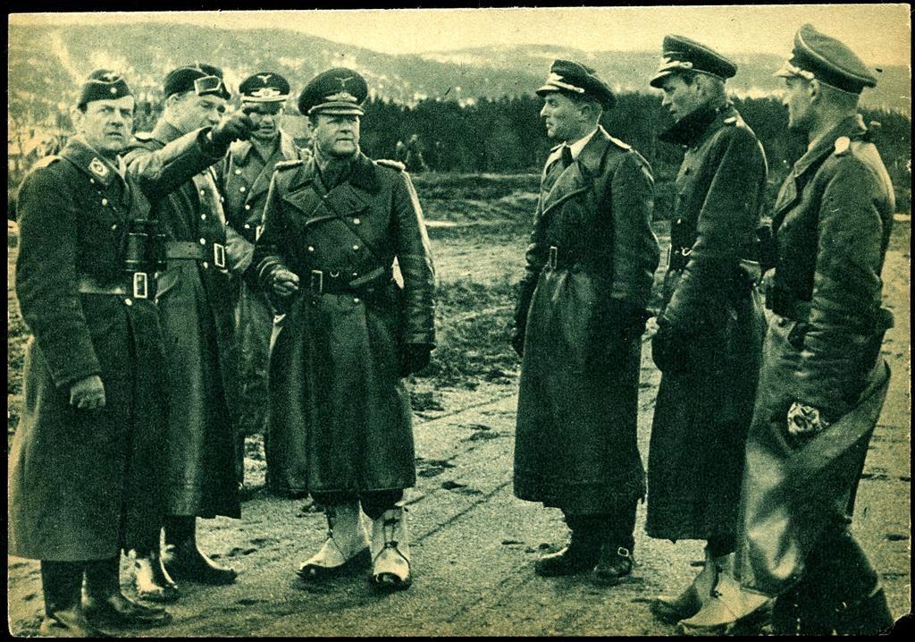 FLYPLASS i Nord-Trøndelag fylke. Tyske offiserer inspiserer flyplassbyggingen under krigen. I spissen: Generalfeltmarskalk Milch. WW ll 1940-tallet