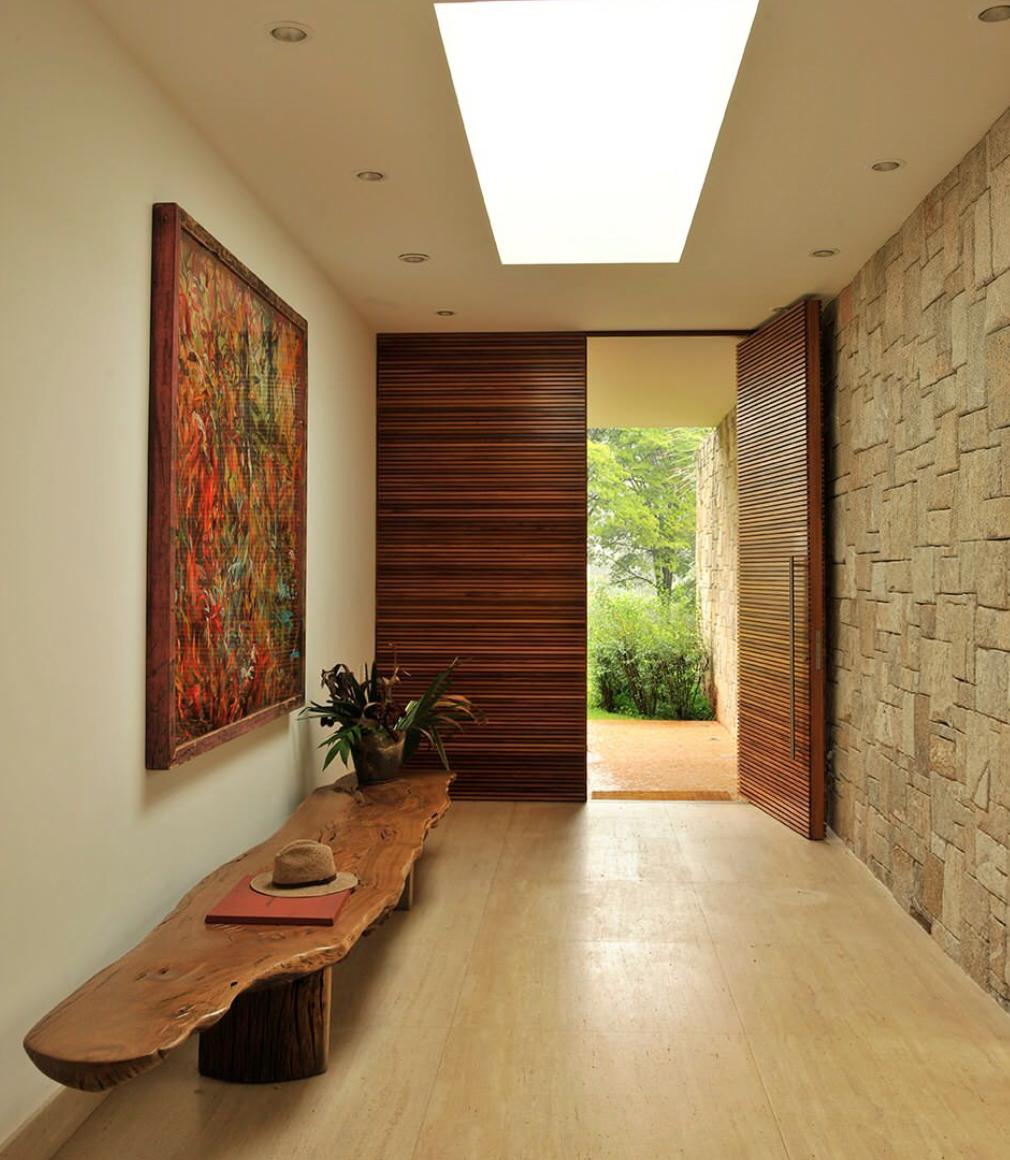 Me gusta esta mesa para la entrada sweet home for Puertas de entrada de casas modernas