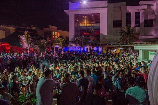 Beach Party Cancun S Popular Night Club Open Every Tuesday